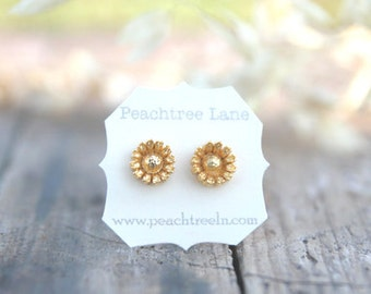 Metallic Gold Flower Post Earrings // Bridesmaid Gifts // Metallic Gold Bridesmaids Earrings // Vintage Wedding