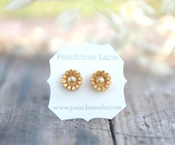 Metallic Gold Flower Post Earrings // Bridesmaid Gifts // Metallic Gold Bridesmaids Earrings // Vintage Wedding