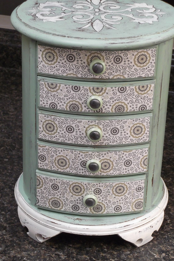 Rare round vintage all wood jewelry box hand painted in mint for Direct jewelry falls church va