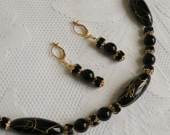 Black Gold Vein Acrylic and Glass Necklace and Earring Set 1