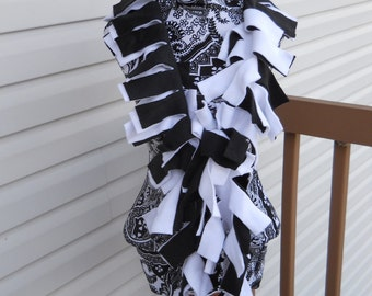 Handmade Solid Black and White Fleece Boa Scarf