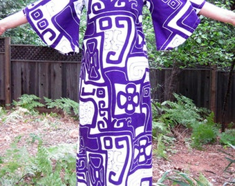 1960s Maxi dress screen printed purple and white cotton bell sleeve Abracadabra S