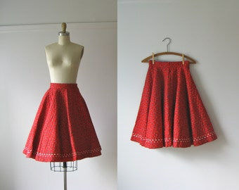 SALE vintage 1950s skirt / 50s circle skirt / Candy Apple