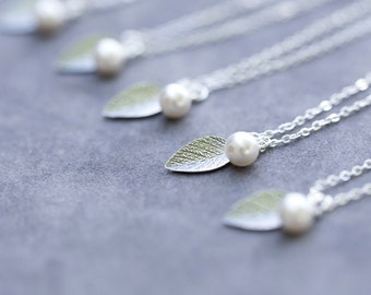 Bridesmaid Gift Set of 4, Pearl and Leaf Bridesmaids Necklaces, Nature, Leaves Bridal Party Jewelry