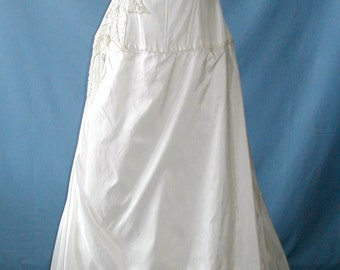 SALE Simply Exquisite Givenchy Wedding dress size 8