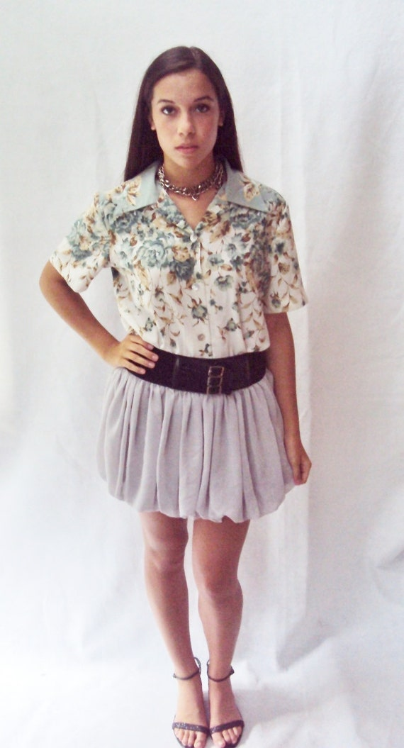 90s floral shirt / boxy shape / pointed collar / (s, m, small, medium )