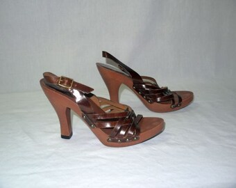 Oh Mia .. vintage 70s  platform sandals shoes / wood high heel / 1970s disco boho / slide mule / cut out woven .. 6 6.5 US 4 4.5 UK 36 37 EU