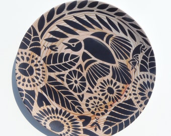 "Indian Lace Wood Grain 10"" Plate, Black"