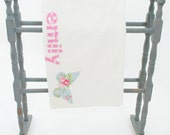 girls personalised/personalized appliqué name towel with pink butterfly...