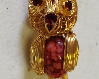 Owl Brooch Red Rhinestone Vintage lot 512