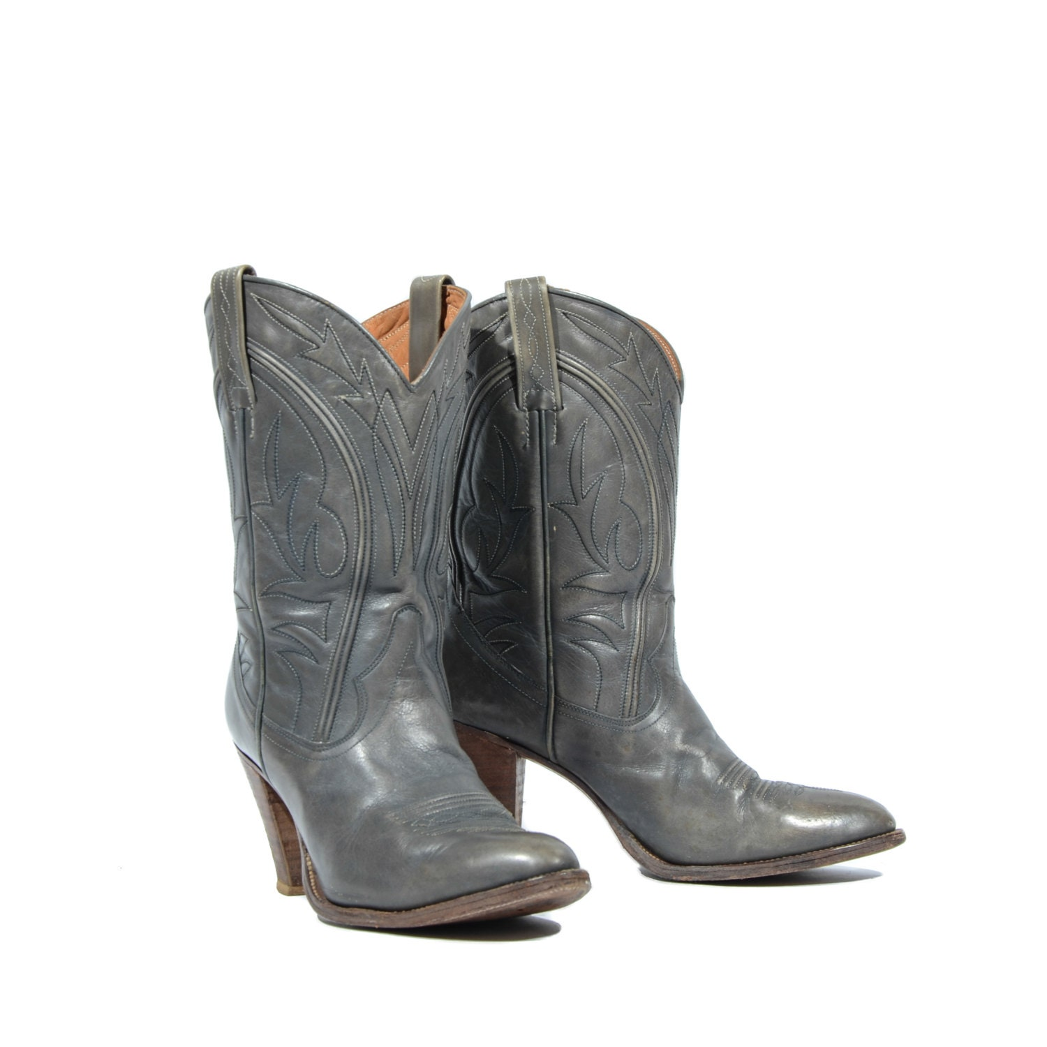 how to tell if frye boots are authentic