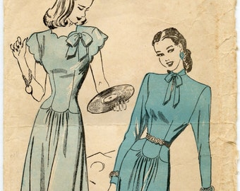 1940s Advance 4609 Vintage Sewing Pattern Misses Dart Fitted Dress Scalloped Neck, Waist and Sleeves Bust 34