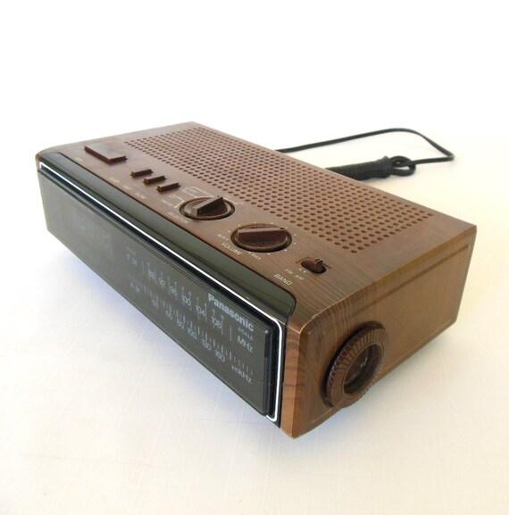 Panasonic Digital Alarm Clock Radio 1980s Wood Grain Blue