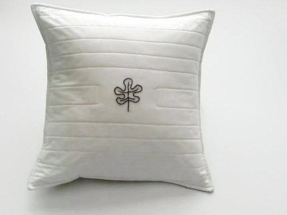 "Cushion Cover - ONE LEAF Cushion Cover - White - Woodland Creatures - 12"" x 12"""