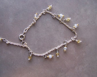 Clear and Yellow Glass Dangle Bead Bracelet