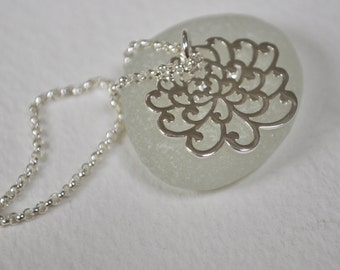 petite chrysanthemum flower sterling silver necklace, chrysanthemum flower necklace, lovely flower necklace