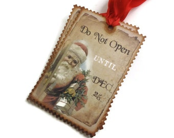 Vintage Style Christmas Tags, Santa Hang Tags, Holiday Labels, Christmas Gift Tags, Set of 10