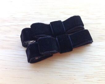 Set of small black velvet hair clips - velvet hair bows, black hair bows, velvet bows, baby bows, toddler bows, baby hair clips