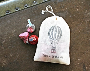 "Wedding favor bags, set of 50 drawstring cotton bags. Hot air balloon and ""Love is in the air"" in black. Bridal shower, party favors."
