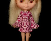 Bell sleeved  pink hearts retro mod style dress for Blythe Pullip Dal licca and similar dolls