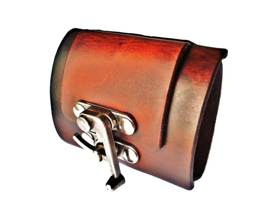Customizable Leather Beverage Transporter - Third Anniversary Gift - Cycling Accessories - Best Man Gift - Leatherwork - Gift Wrapped