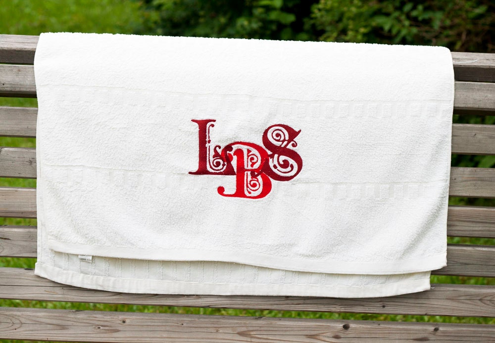 Personalised Wedding Gifts Towels : Personalized Monogrammed Hand Towels Great Wedding Gift