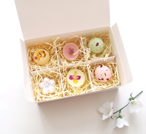 Bathtime Treat Gift Box Custom Made for you, Choose from any 6 Bath Bombs, Bath Melts or Truffles.