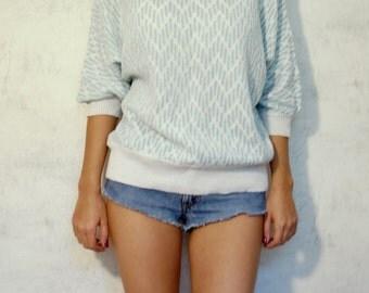VTG 80s white and blue women sweater