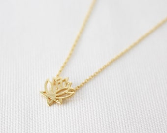 SUMMER SALE 20% OFF - Lotus flower necklace - Gold