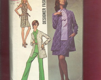 Vintage 1970  Simplicity  8870 Cardigan Style Jacket Large Pointed Collar Top Skirt & Pants  Size 12