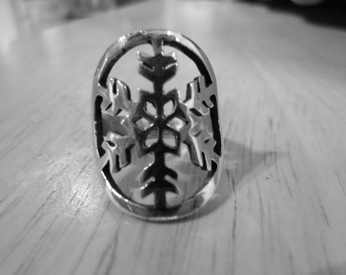 Snowflake ring quarter size