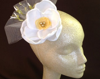 WHITE AND YELLOW  Spring Fascinator Hairclip