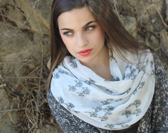 Fashion  infinity scarf   with owl print white and black color