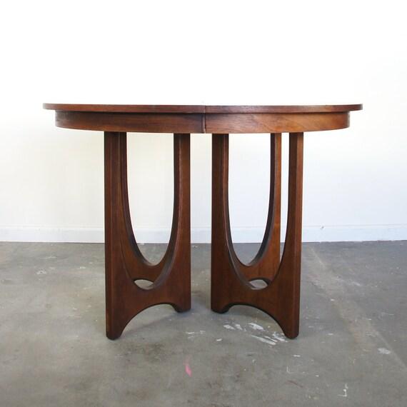 mid century dining table broyhill brasilia round vintage. Black Bedroom Furniture Sets. Home Design Ideas