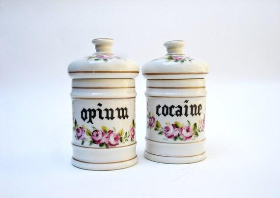 pharmacie coca ne et bocaux d 39 opium pot. Black Bedroom Furniture Sets. Home Design Ideas