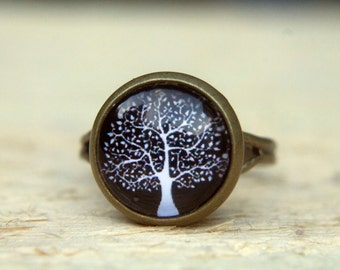 Black Ring.  Black Tree Ring.  Black and White.  Glass. Glass Dome Ring.  Adjustable Ring. Tree of Life Ring. Statement Ring