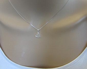 Sterling Silver Celtic Knot Necklace , Knot Necklace, Everyday Necklace, simple Necklace