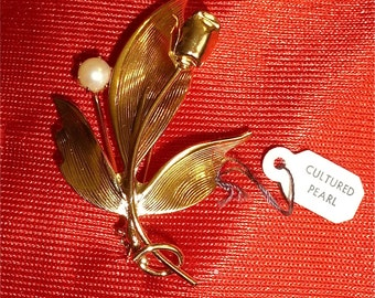 Original 1960's Gold Tone Flower With Cultured Pearl Brooch Pin - Free Shipping