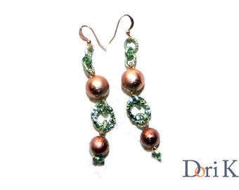 Earrings Copper and green, dangle earrings made of copper beads and green rings