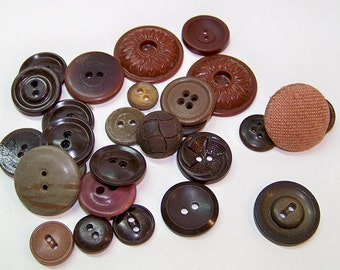 Brown Buttons Vintage 1940-1950