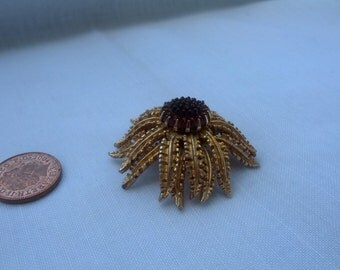Gold Tone Flower with Resin Stamen Brooch signed Sarah Coventry