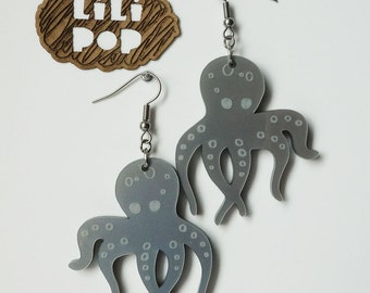 """Earrings with hooks """"Octopus"""" (Lili0222) engraved and lasercut recycled plastic"""