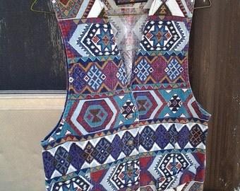 Aztec Print Button Front Vest Size Large