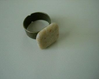 Stone brass ring