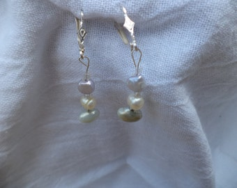 Handmand freshwater pearl  earrings