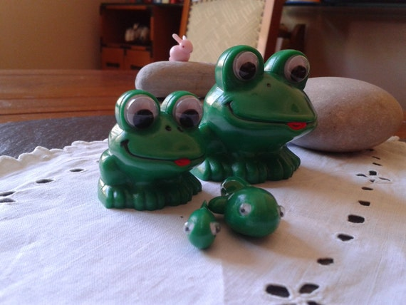 vintage 80-90s Frog Cycle nesting Educational pocket Toy frog