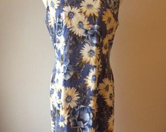 SALE 90's Blue Daisy Floral Print Sleeveless Dress / Shift Dress / Short Dress