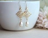 Ivory Colour Pearl Earrings,  Pearl Bridal Earrings, White Pearl, Cream Pearl Earrings Bridesmaid Gifts Gold Peacock Feather Dangle Earrings