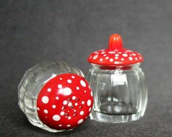 Magic salt shaker and mustard pot. Christmas decor gift idea.