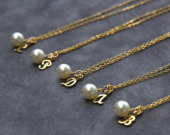 Gold Bridesmaid Jewelry Gift Set of 8, Script Initial Necklace, Custom Pearl Jewelry, Personalized Bridesmaid Necklace